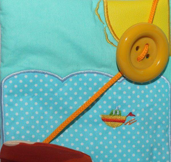 carte-senzoriala-calatoria-magica, arte brodata, carte bebe, carte diferite texturi, carte fosnaitoare, carte handmade, jucarii bebe, idee cadou bebe