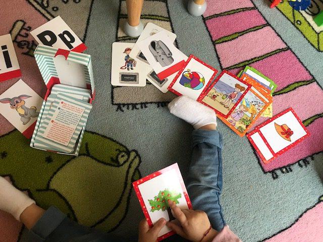 jetoane, carti educative, alfabetul, jocuri de carti