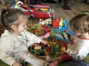 8 Activități Montessori (0-3 ani)