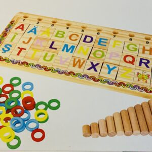 Joc montessori – puzzle lemn cu litere si cifre